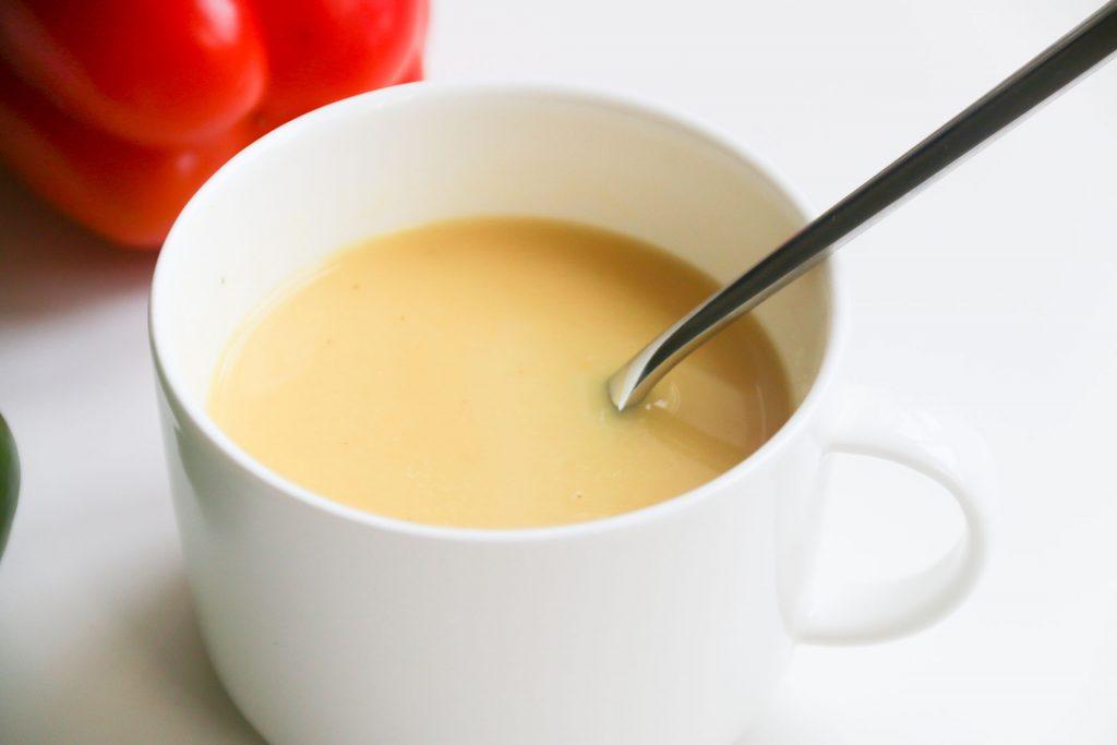 Gele paprika soep met droge witte wijn - SUUS KOOKT
